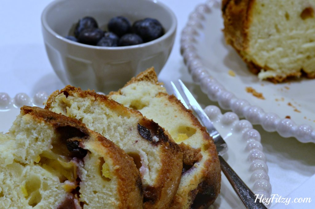 peach blueberry pound cake